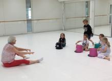 Working with the children of Wegelius Institute summer camp